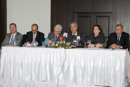 Tunisie: Colloque sur les moyens d'assurer l'autonomie des médias publics: Le service public en débat