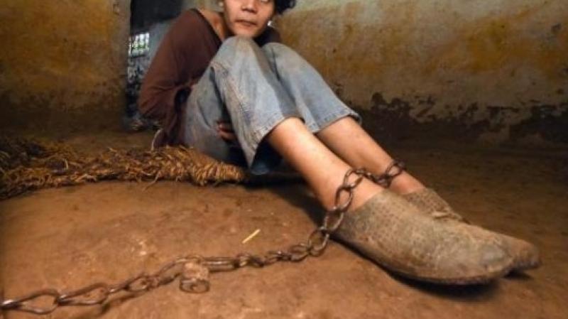 Tunisie-Mjez El Beb : Un enfant enchainé par ses parents, réussit à s'enfuir