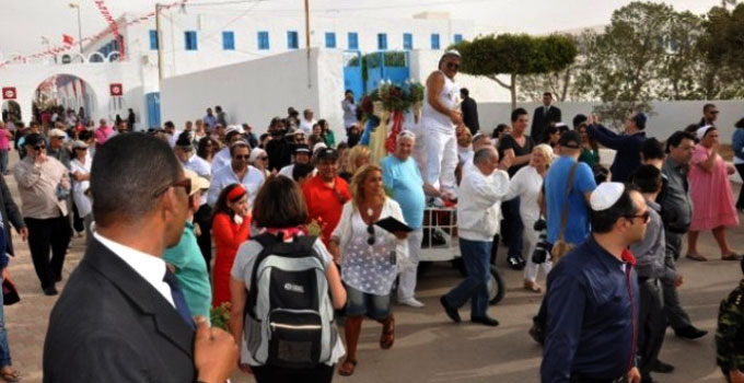 La synagogue de la Ghriba accueille les pèlerins juifs venus du monde