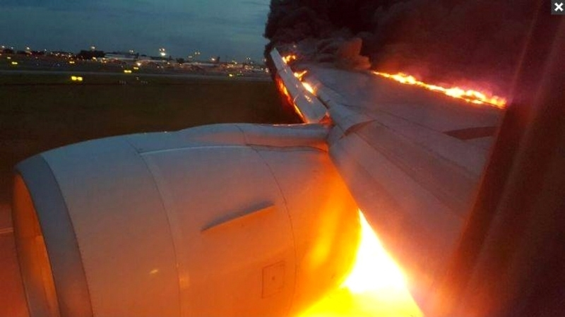 Un avion prend feu lors d'un atterrissage d'urgence à Singapour