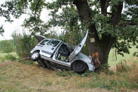 une famille enti re d cim e dans un accident de voiture part 302704. Black Bedroom Furniture Sets. Home Design Ideas