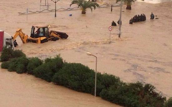 Tunisie (Vidéo-Photos) : Un mort à Sousse après les pluies torrentielles qui ont provoqué des inondations dans plusieurs villes