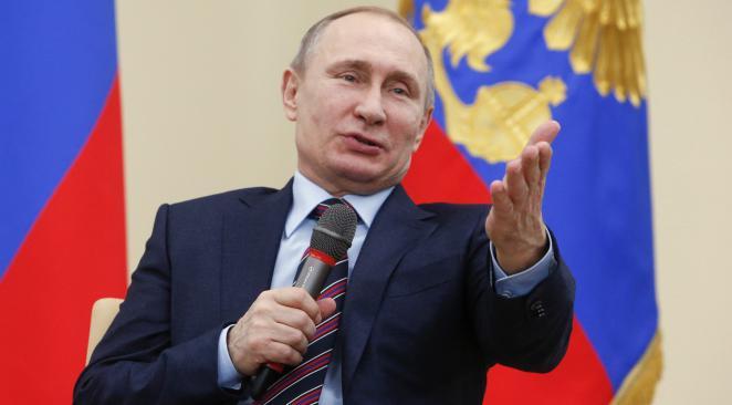 Le parti de Vladimir Poutine large vainqueur des législatives en Russie