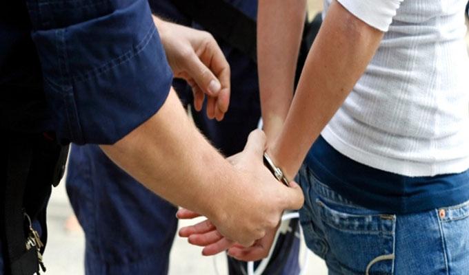 Arrestation d'un receveur de la poste sur le point de prendre la fuite  après un détournement de fonds