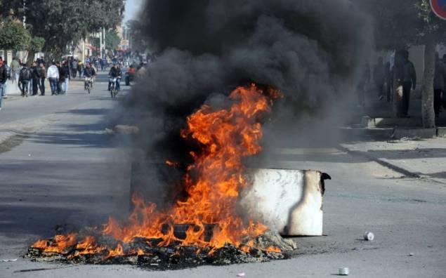 Tunisie: Drame de Sbeitla: La famille de la victime barricade les routes de la ville