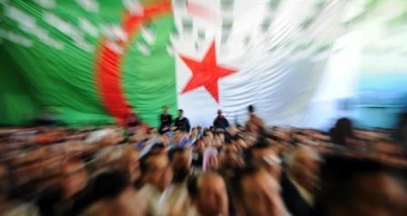 La crise en Algérie : L'Etat perd 3 milliard de dollars en un mois
