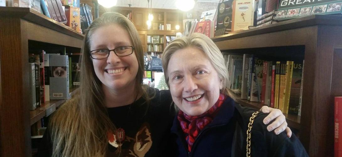 USA: suite à sa défaite, Hillary Clinton ne se maquille plus : quel symbolique cela cache-t-il ?