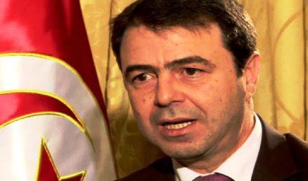 Tunisie – Le ministre de l'intérieur avertit de la menace du retour des terroristes tunisiens des foyers de tension