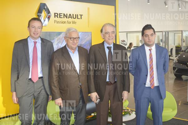 photos vid o inauguration du premier renault store en tunisie aux normes internationales. Black Bedroom Furniture Sets. Home Design Ideas