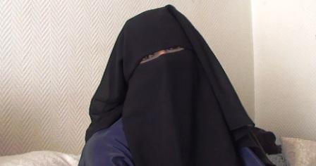 La veuve d'un très dangereux terroriste demande à rentrer en Tunisie et la protection de ses deux enfants