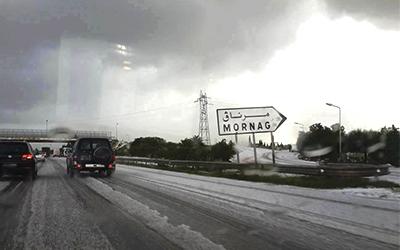 Tunisie – De la neige sur les banlieues de Tunis