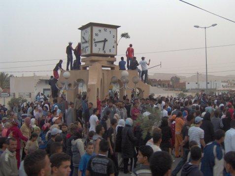 Des protestataires ferment le siège de la Compagnie Phosphate de Gafsa à Redeyef
