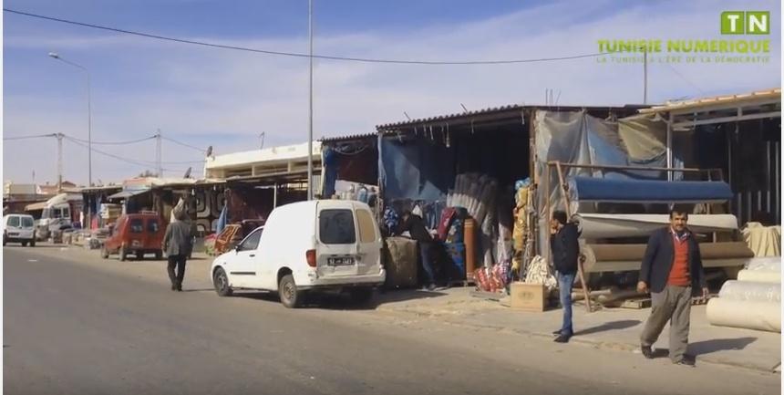 Tunisie [vidéo] : Victimes de mauvais traitements, les commerçants de Ben Guerdane menacent de fermer le passage de Ras Jedir