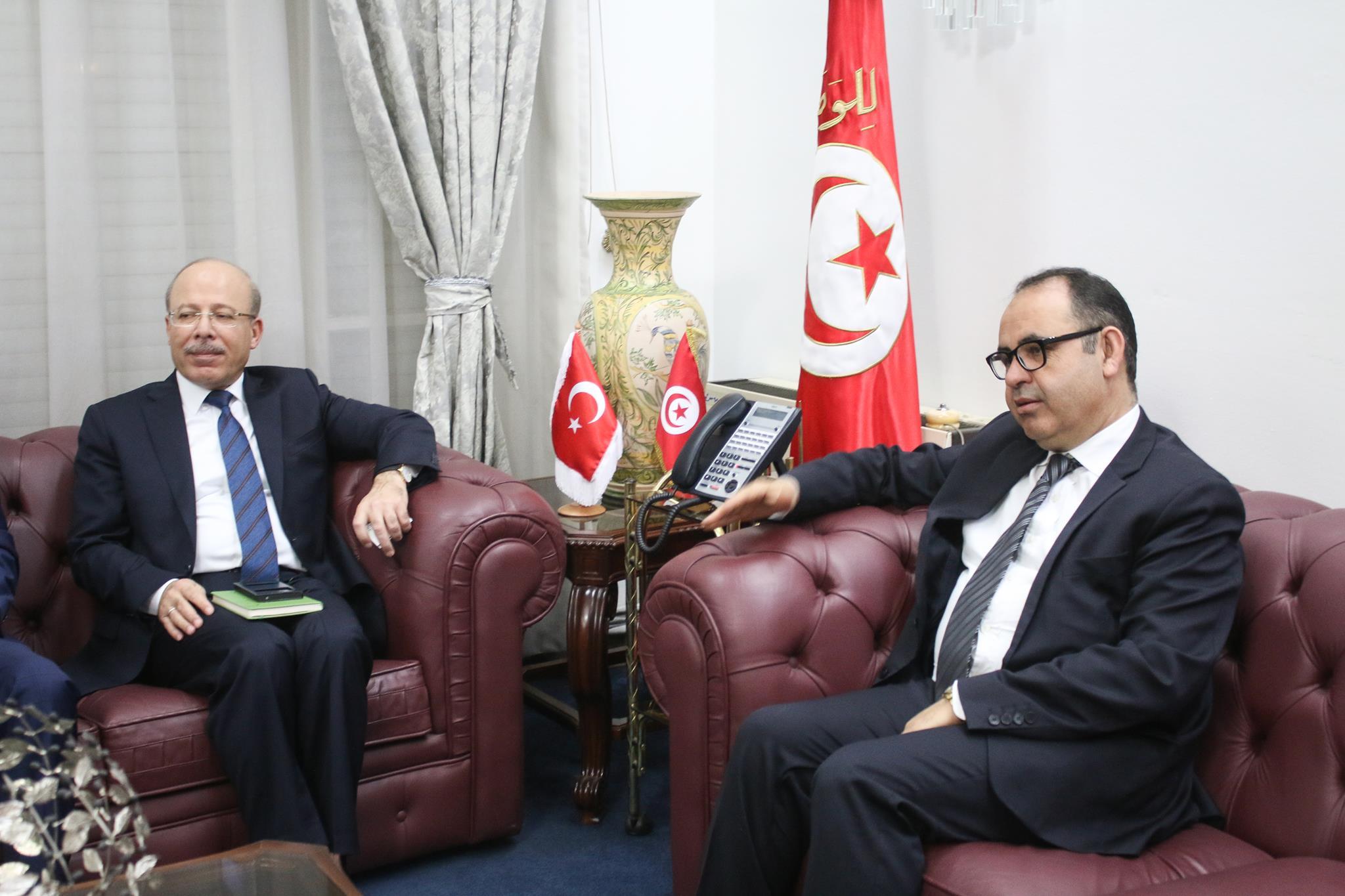 Le secrétaire d'Etat des domaines de l'Etat rencontre l'ambassadeur de Turquie en Tunisie