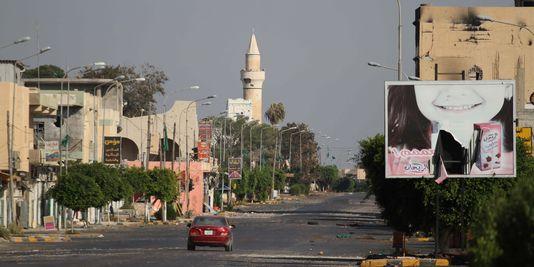 Libye : un imam appelle à fermer les frontières avec la Tunisie, on menace de le tuer à la mosquée