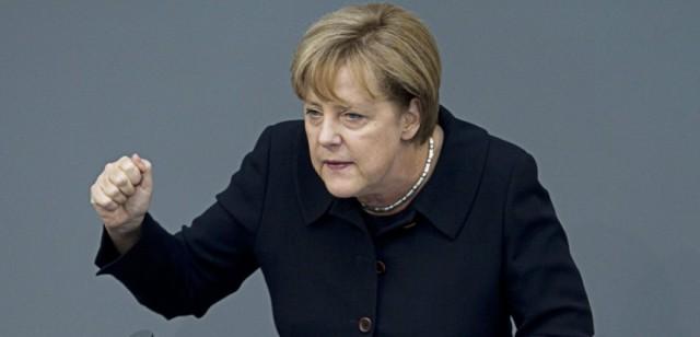 Merkel: ceux qui n'ont pas le droit de rester en Allemagne seront expulsés par la force