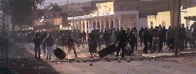Tunisie – Tataouine: Des chômeurs protestent et bloquent la route vers Remada