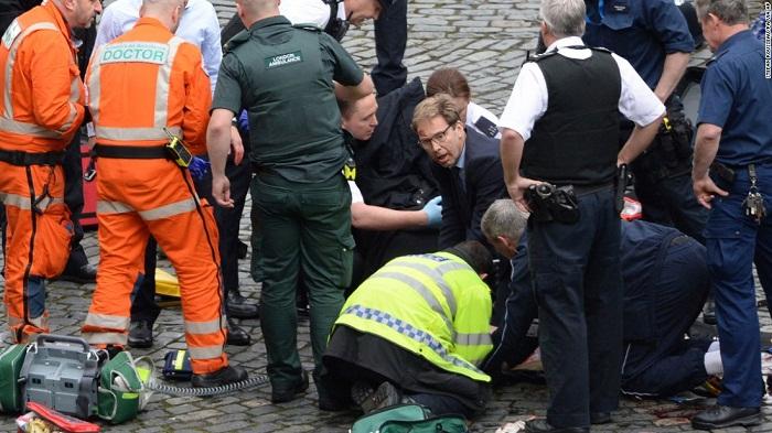 Grande-Bretagne : des coups de feu entendus devant le Parlement à Londres