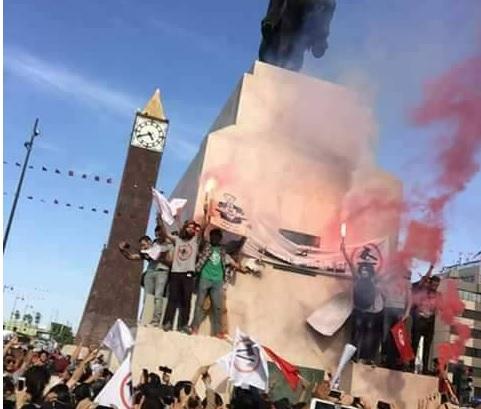Tunisie – Les manifestants ont jeté des œufs sur le mémorial d'Habib Bourguiba