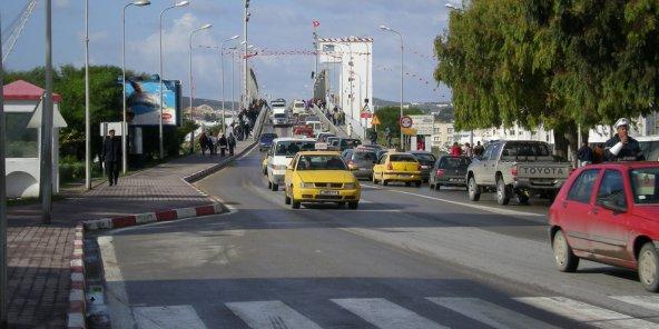 Tunisie application du port obligatoire de la ceinture de s curit des signes encourageants - Port de la ceinture obligatoire ...