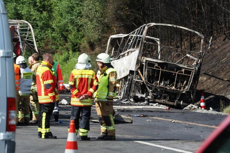Allemagne: 18 disparus probablement tués et 30 blessés dans un accident de bus