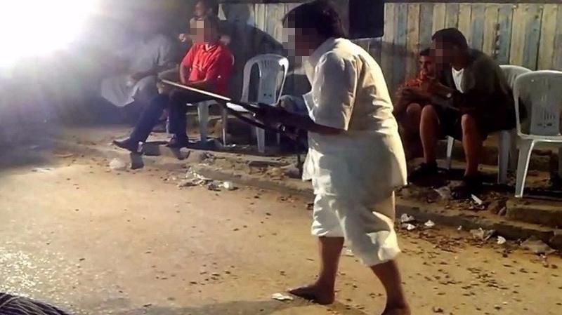 Tunisie: Aveuglé par la jalousie, un père tire avec un fusil de chasse sur six garçons qui draguaient sa fille!