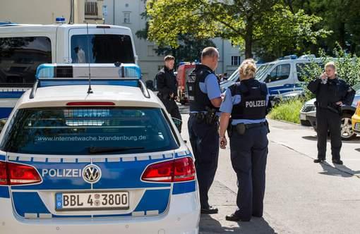 Des touristes chinois font le salut nazi à Berlin, ils sont arrêtés