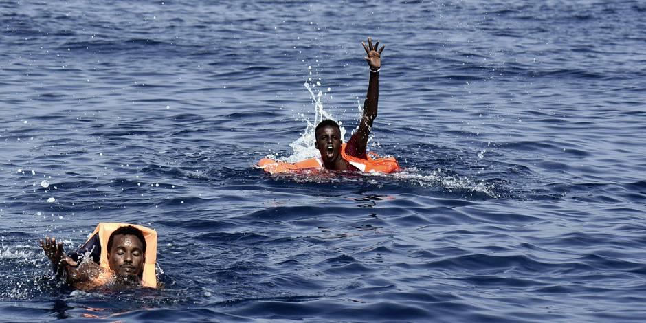 Tunisie: Un rescapé du naufrage d'un bateau de migrants au départ de la Libye , secouru à Ben Guerdane