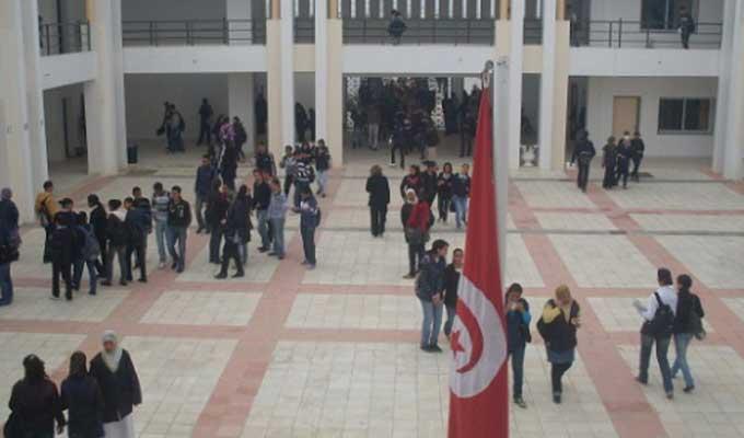 Tunisie: Suspension des cours dans un collège à l'Ariana après le vol de 31 ordinateurs
