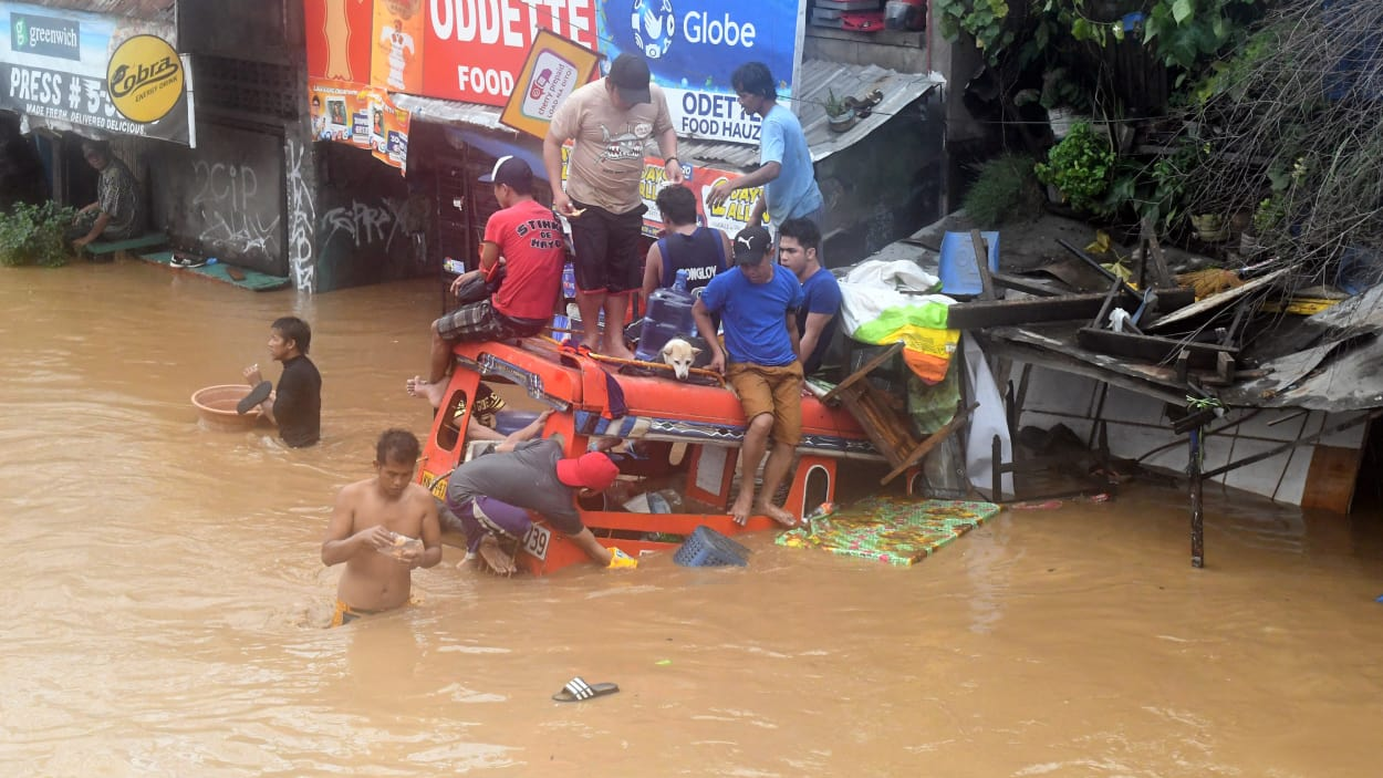 Au moins 74 personnes tuées par la tempête tropicale Tembin — Philippines