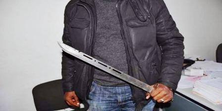 Tunisie – El Omrane : Des délinquants armés d'épées arrêtent le métro et attaquent les passagers