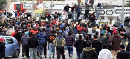 Tunisie – Affrontements entre des supporters de l'EST et la police au centre ville
