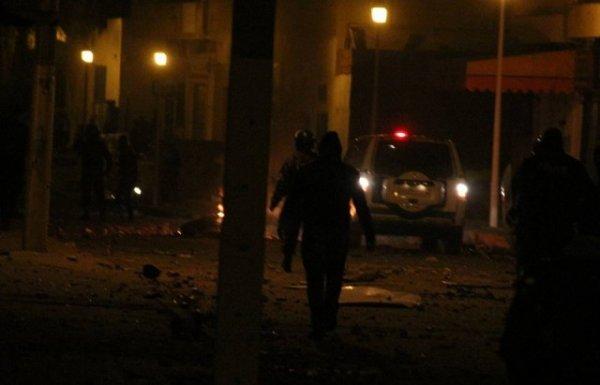 Tunisie: Heurts nocturnes entre jeunes et forces de l'ordre à Kassarine