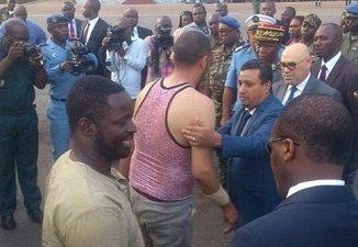 Arrivée du tunisien rescapé de la prise d'otage au Cameroun