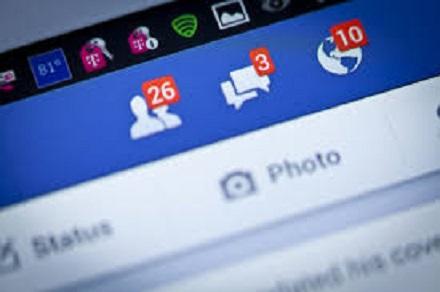 """Affaire Analytica, le patron de Facebook reconnaît ses """"erreurs"""""""