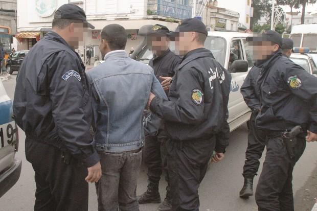 Algérie: Un terroriste se rend et arrestation de deux autres
