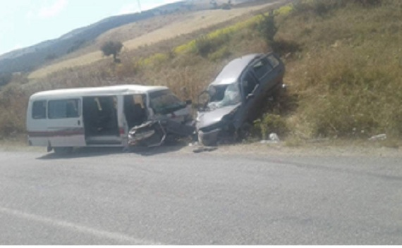 tunisie 11 bless s dans un accident de la route entre mateur et b ja. Black Bedroom Furniture Sets. Home Design Ideas