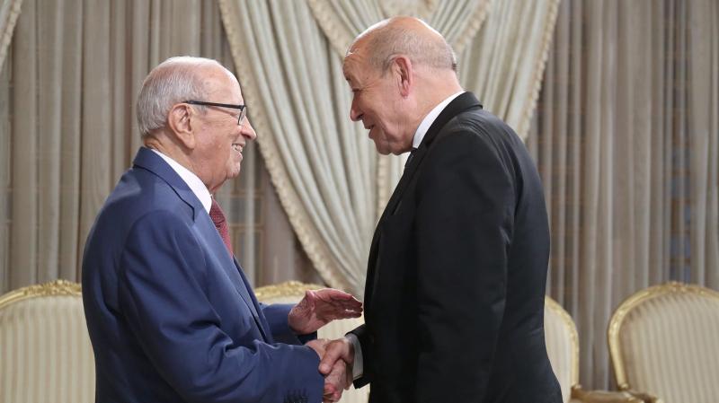 Tunisie: Jean-Yves Le Drian réitère à Béji Caïed Essebsi le soutien de la France