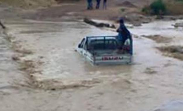Tunisie [Vidéo]: Les eaux envahissent les rues de Mejel Belabbes après les inondations