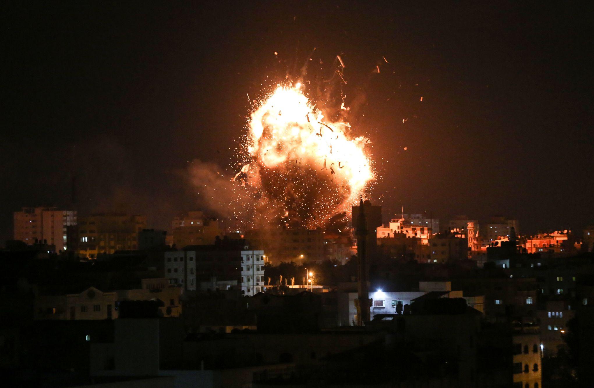 Israël détruit le bâtiment de la télévision du Hamas à Gaza