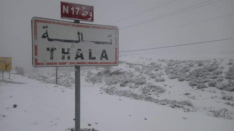Tunisie: Interruption de la circulation entre Kasserine et le Kef en raison de la chute de neige
