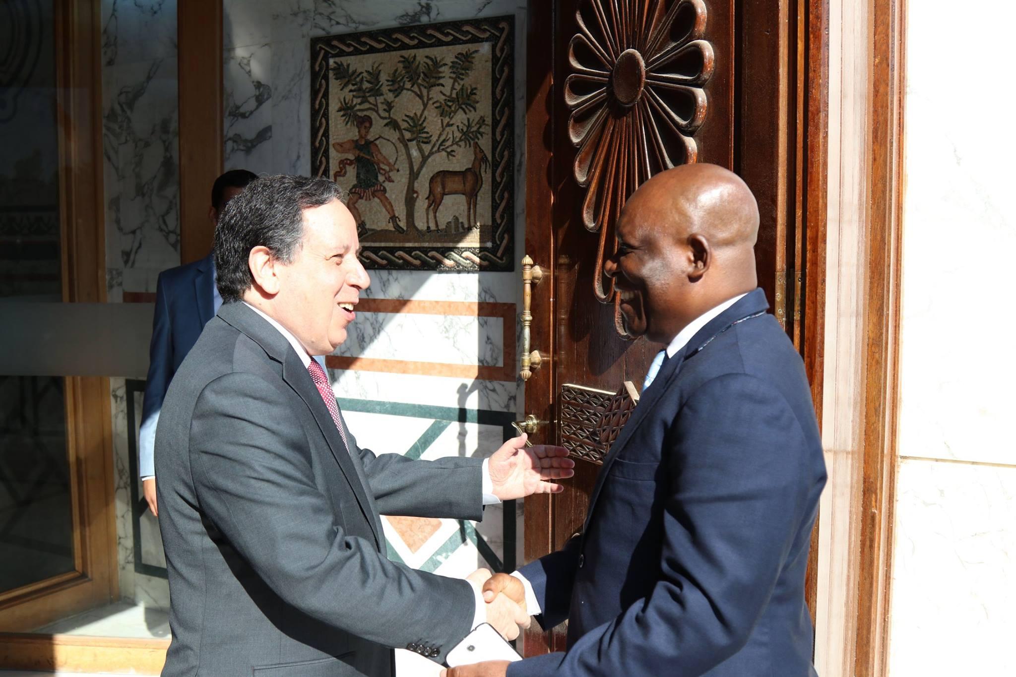 Tunisie- Signature de deux accords de coopération et trois programmes exécutifs avec la Guinée Equatoriale