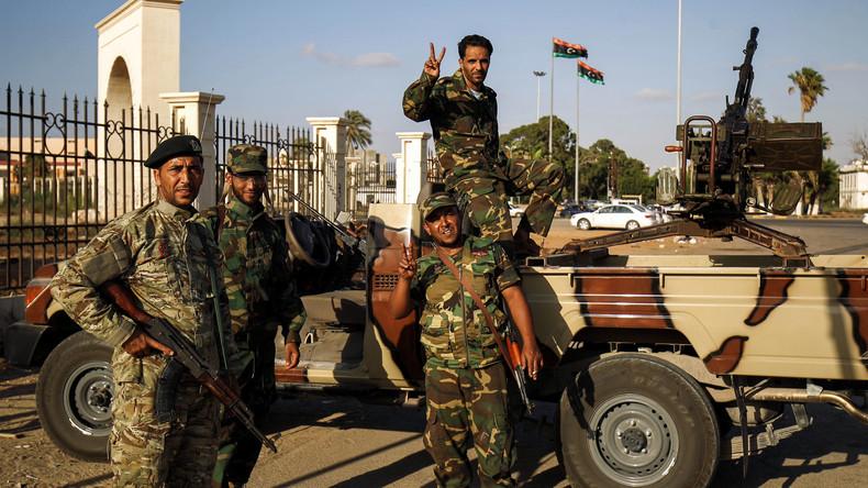 L'homme fort de l'est libyen ordonne à ses troupes