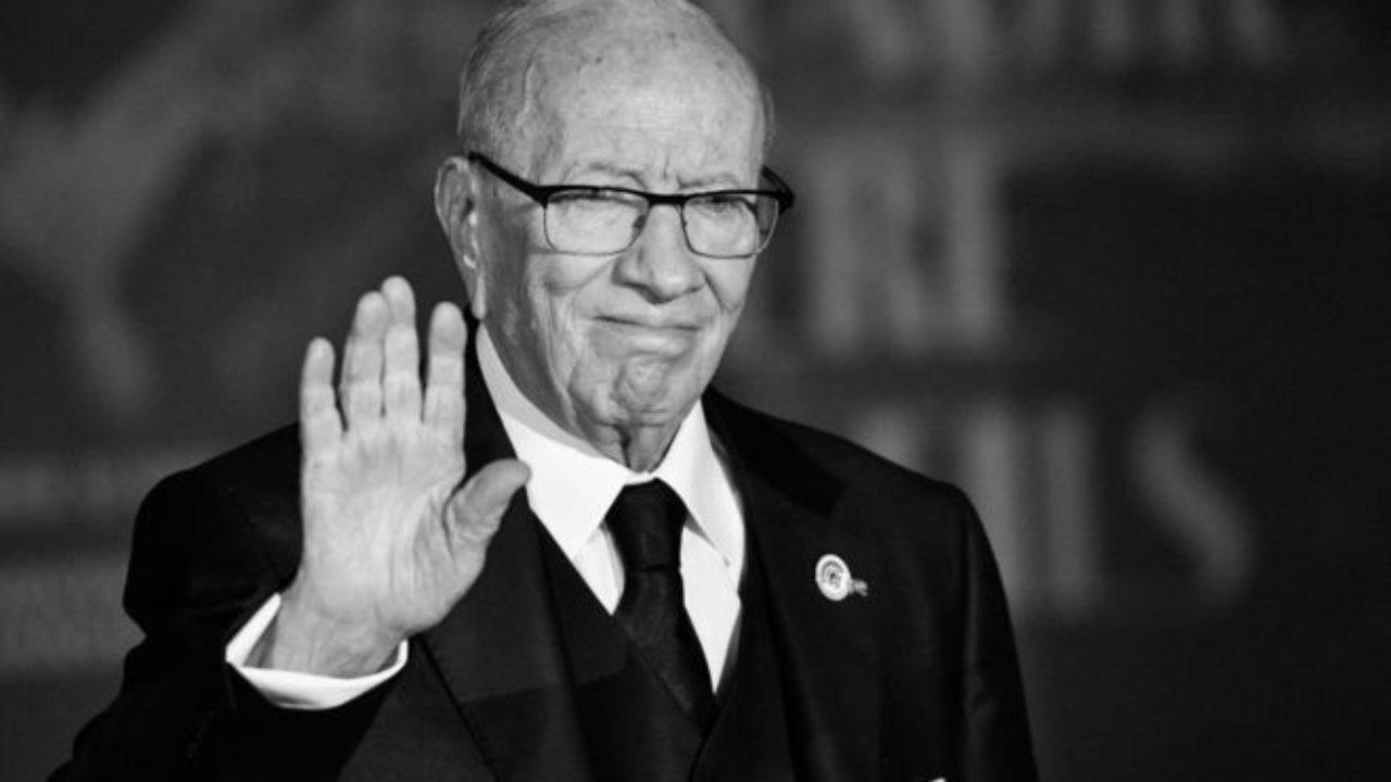 Tunisie : suivez les funérailles du président Essebsi, en présence d'Emmanuel Macron