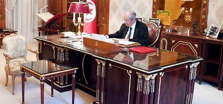 Tunisie – Mohamed Ennaceur signe le décret d'appel aux électeurs pour les présidentielles de 2019