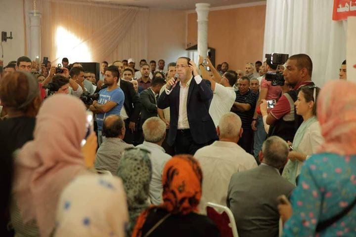 Youssef Chahed préside une réunion populaire à Kebili [photos]