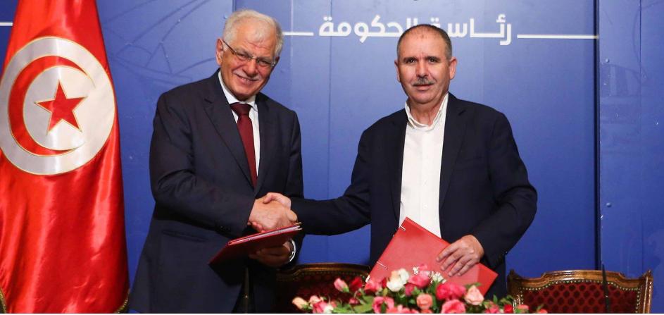 Tunisie-Signature de l'accord sur l'augmentation salariale des médecins, des ingénieurs et des enseignants