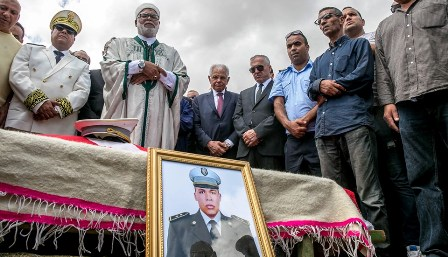 Tunisie – Kamel Morjane assiste aux funérailles du martyr Najibullah Cherni et présente ses condoléances à la famille