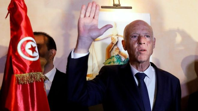 Tunisie- Passation de pouvoir entre Mohamed Ennaceur et Kais Saïed: comment ça va se passer ?