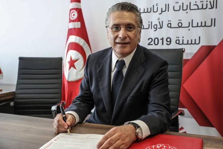 Le parti islamiste Ennahda en tête des législatives en Tunisie